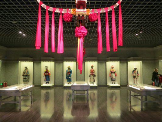 Du lịch Thượng Hải bên trong Bảo tàng Thượng Hải