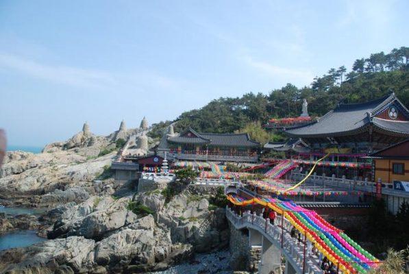 Toàn cảnh chùa Hàn Quốc Haedong Yonggungsa