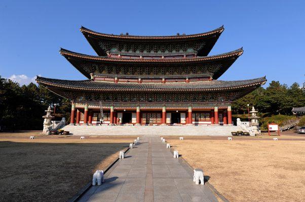 Chùa Hàn Quốc Yakcheonsa