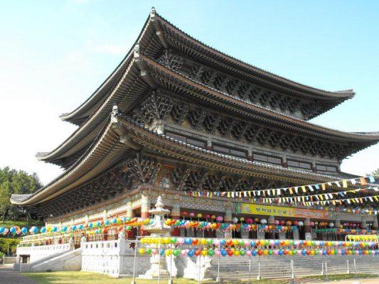 Lễ hội tại ngôi chùa Hàn Quốc nổi tiếng