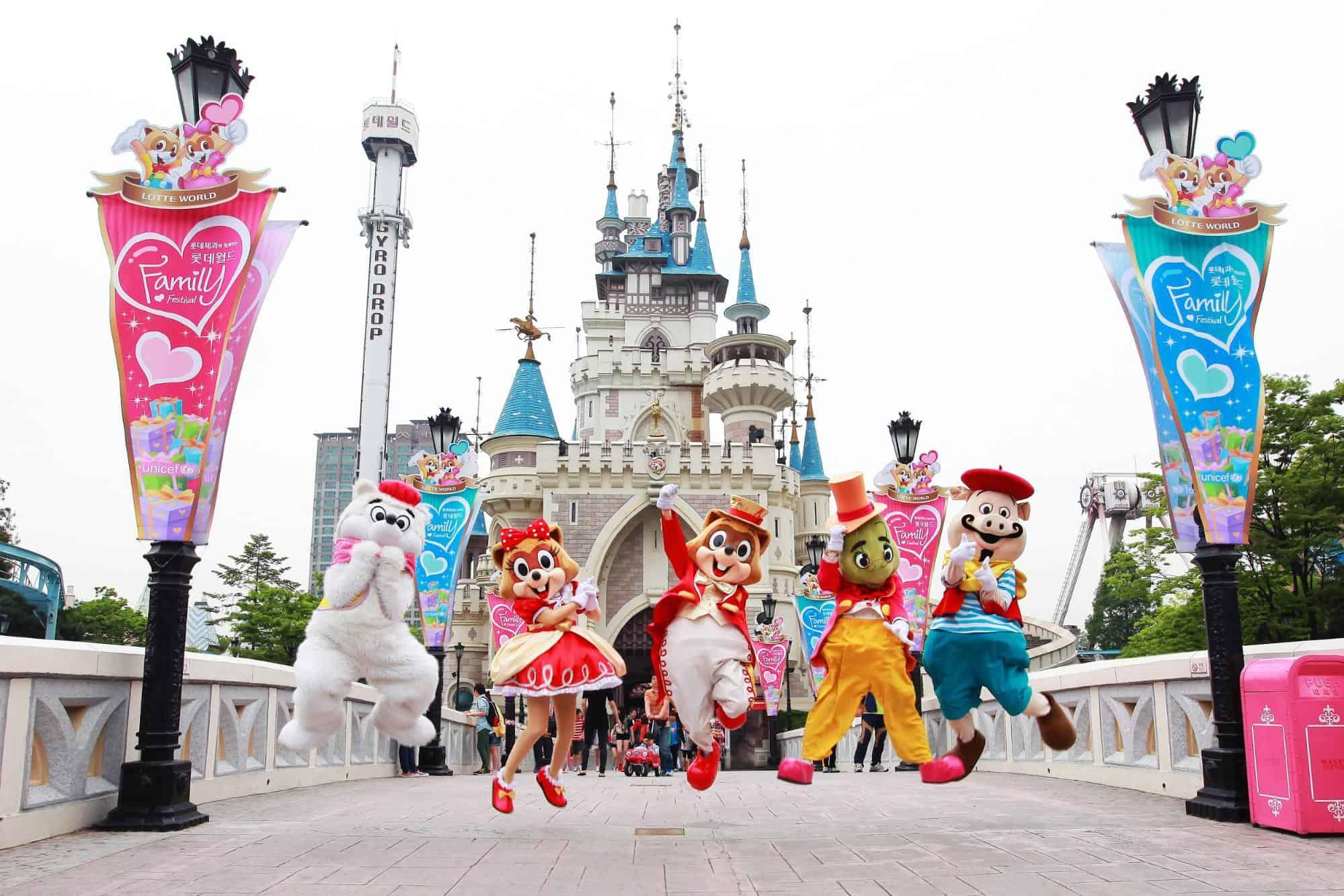 Du-lịch-Hàn-Quốc-1-lần-trong-đời-Lotte World