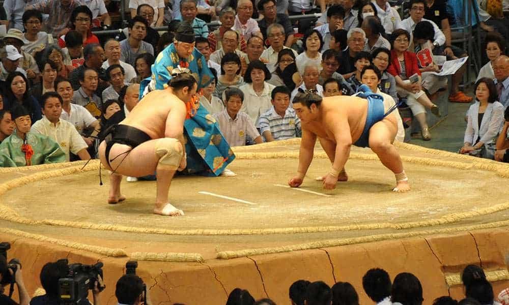 Du-lich-Nhat-Ban-sumo
