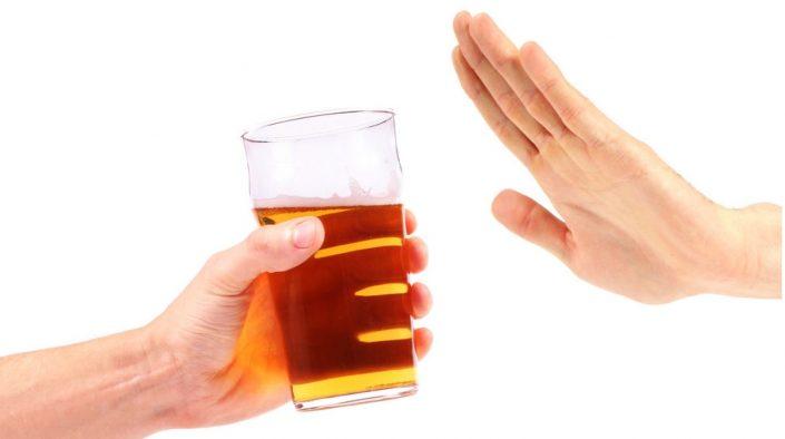 Kinh nghiệm đi máy bay hạn chế đồ uống có cồn