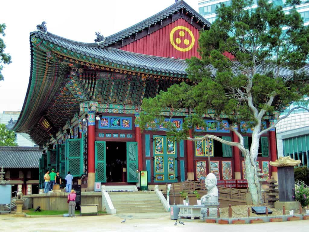 Chùa-Jogyesa-là-điểm-du-lịch-Seoul-miễn-phí
