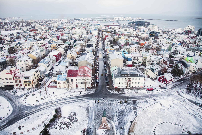 Đặt chỗ chuyến bay, phòng khách sạn để xin visa Iceland