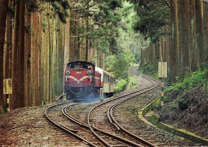 du-lịch-đài-loan-tự-túc-Alishan-Railway-Pictures