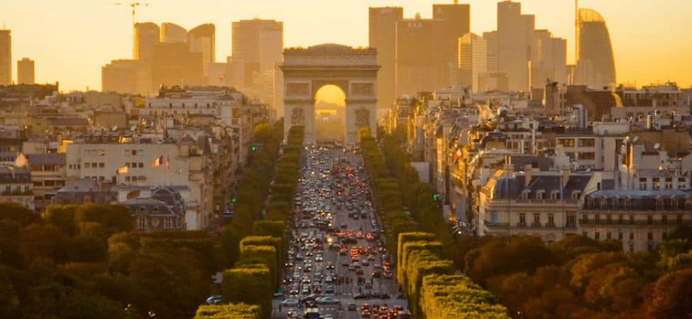 Du-lich-Paris-Champs-elysees