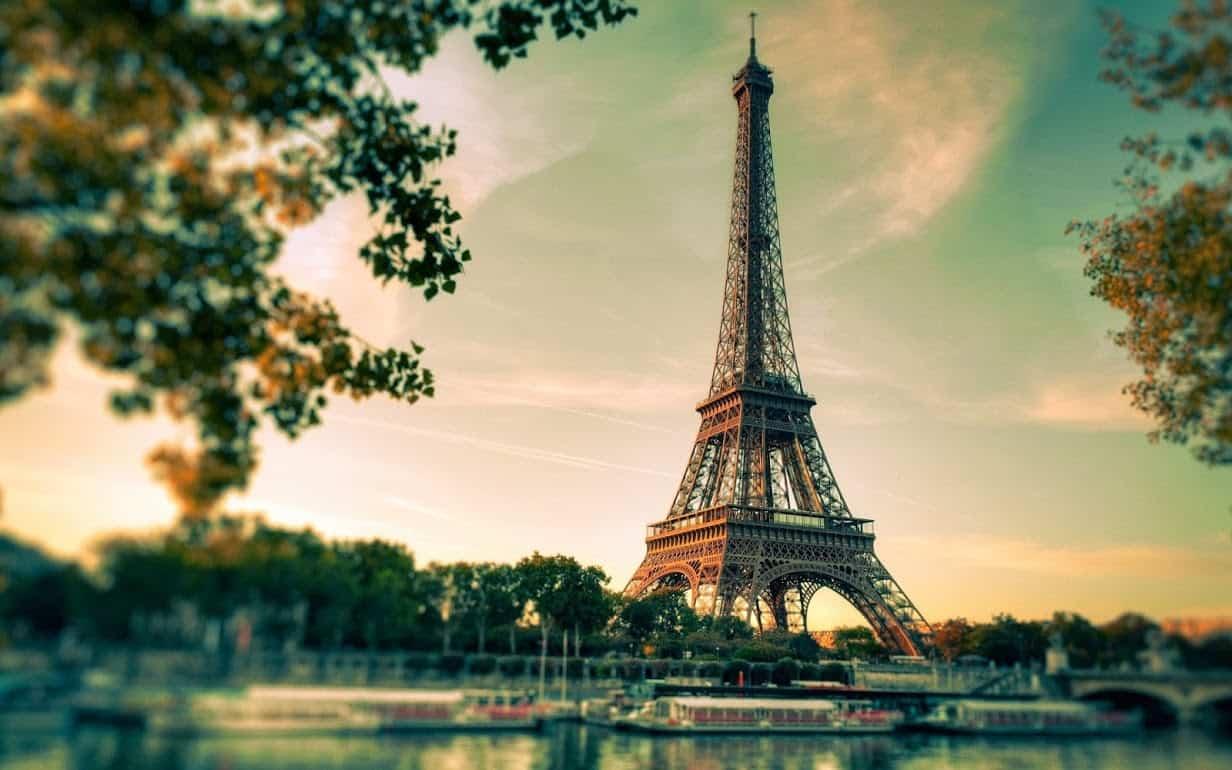 Du-lich-Paris-Thap-eiffel