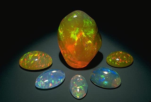 Mua-qua-khi-di-du-lich-uc-da-opal