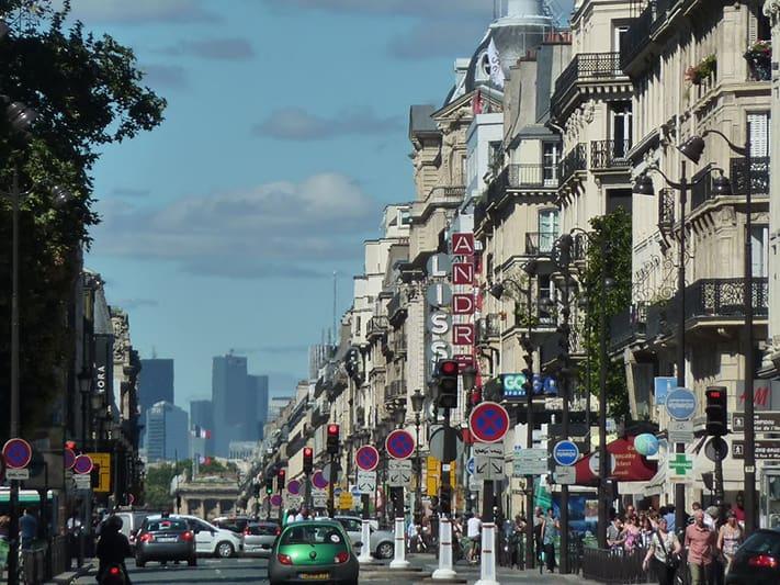 Rue-de-Rivoli-visana-france
