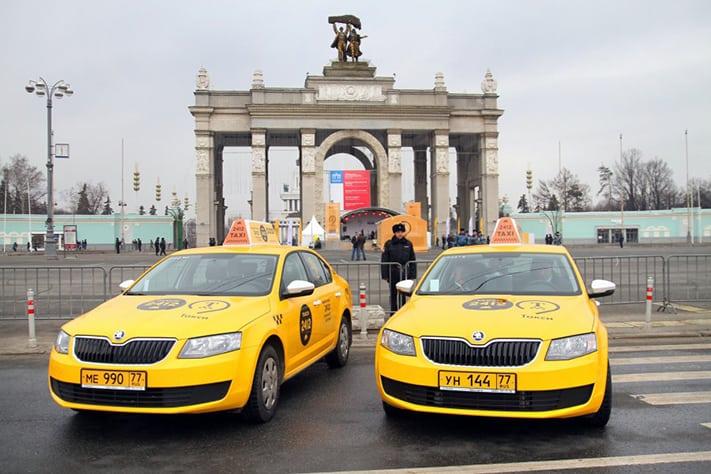 kinh-nghiệm-du-lịch-Nga-taxi-711