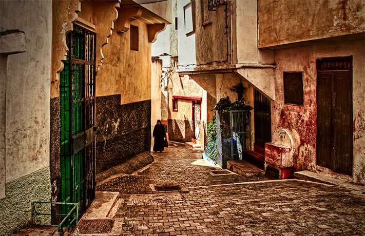 Fez-the-woman-at-the-end-of-the-street-711
