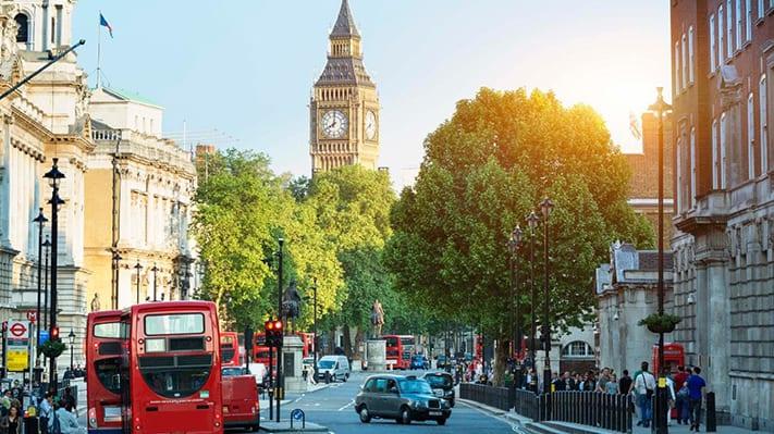 xin-visa-đi-anh-london-street