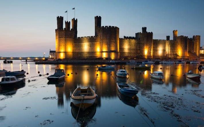 xin-visa-đi-anh-Caernarfon-Castle-711