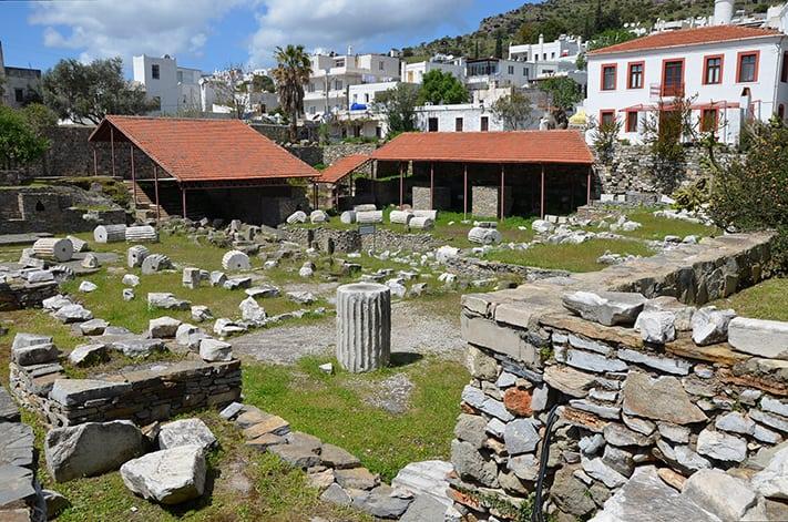 địa-điểm-du-lịch-thổ-nhĩ-kỳ-The_ruins_of_the_Mausoleum_at_Halicarnassus copy