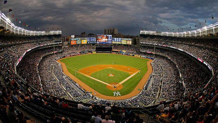 du-lịch-new-york-yankee-stadium-711x400