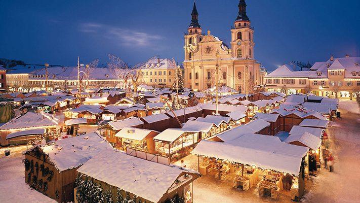 du-lịch-nước-đức-Ludwigsburg_Baroque_Christmas_Market-weihnachtsmarkt-stuttgart-711