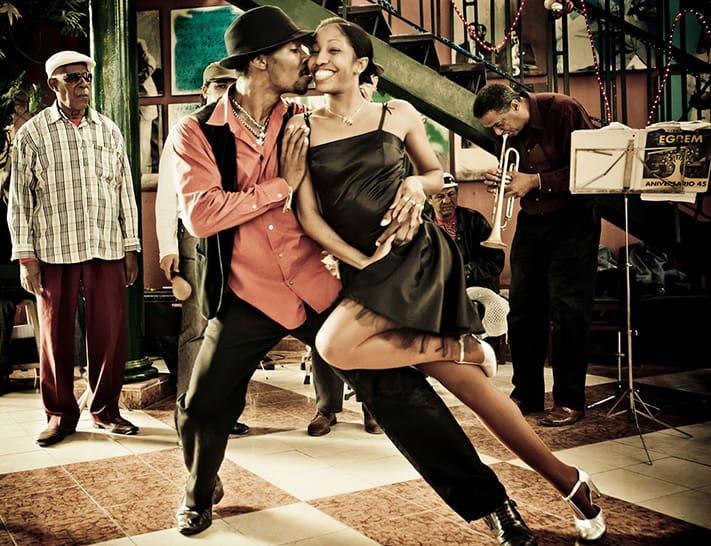 Du-lich-Cuba-Salsa