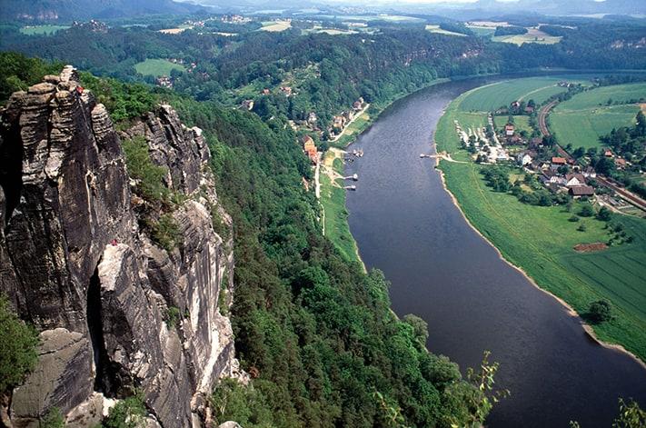 du-lịch-nước-đức-elbe-from-above-711