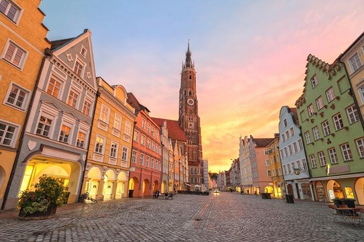 du-lịch-nước-đức-sunset-old-town-munich-germany-711