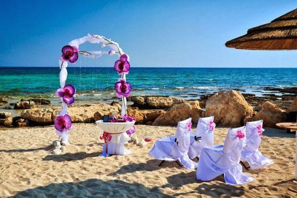 visa-đi-síp-Bãi biển Ayia Thekla, Síp