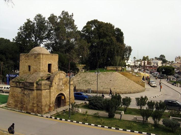 visa-đi-síp-Cổng Kyrenia dẫn vào thành phố Nicosia- thủ đô nước Cộng hòa Síp