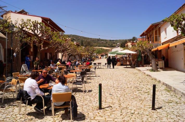 visa-đi-síp-Omodos- ngôi làng nên thơ ở chân núi Troodos, Síp