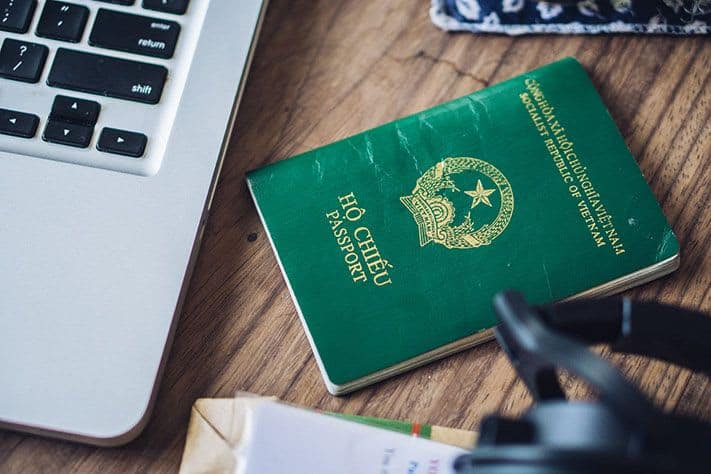 mien-visa-vietnam-passport-compressed