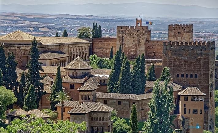 Granada du lịch tây ban nha